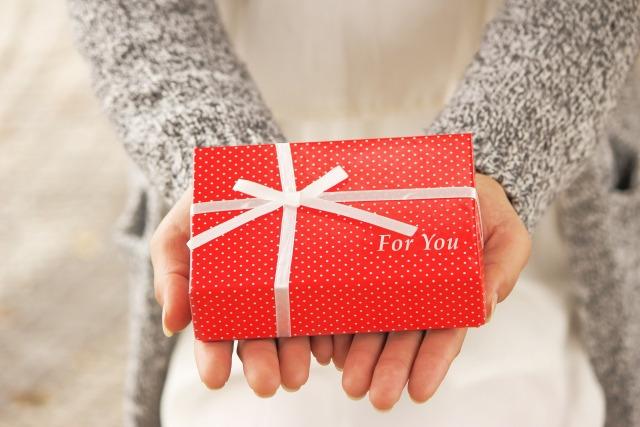 抱っこひもを通信販売で購入するなら【kanadel】の「gyuttone!」~プレゼントにもぴったり~